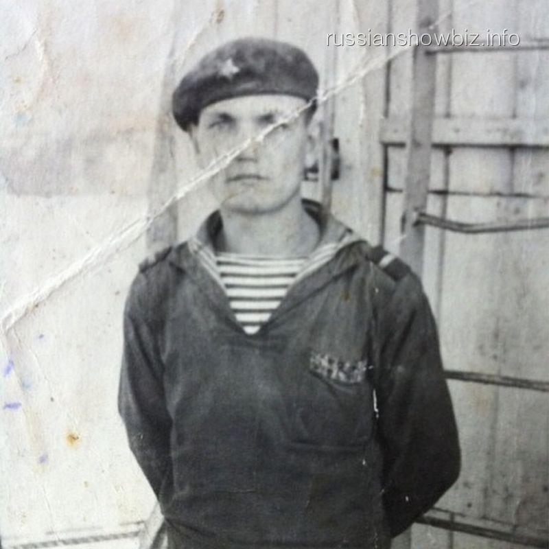 Дедушка Виктории Бони Иван Макаров