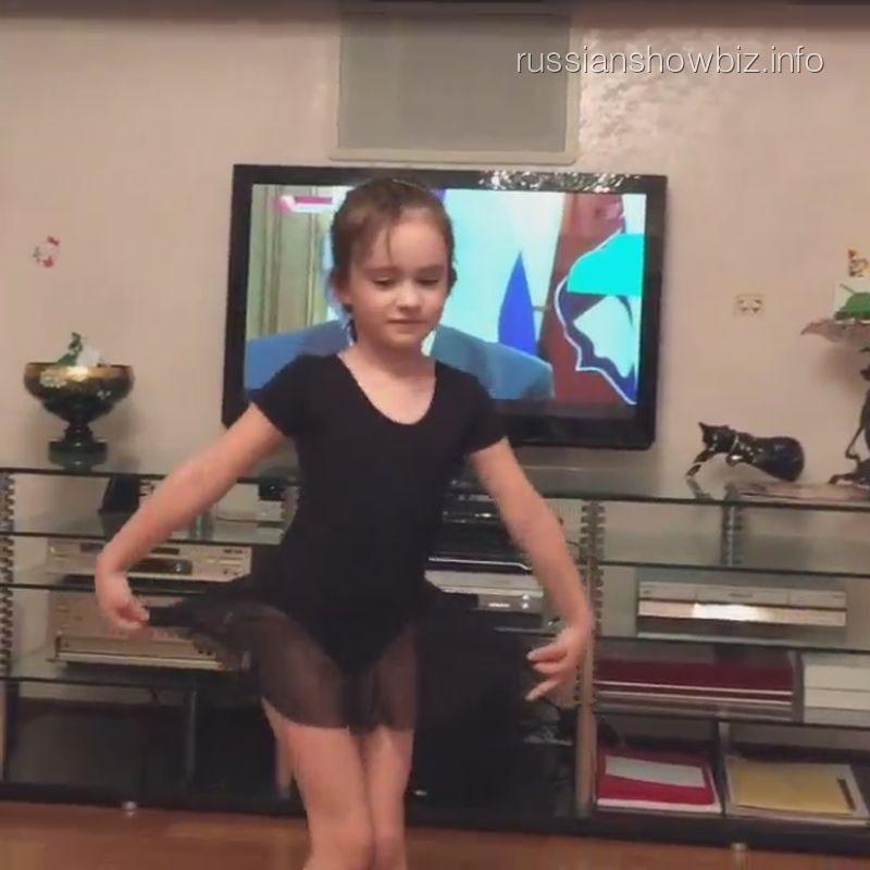 Дочь Кати Лель