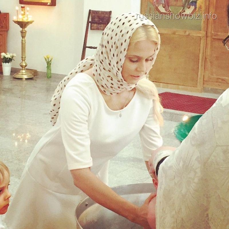 Ксения Новикова с крестницей