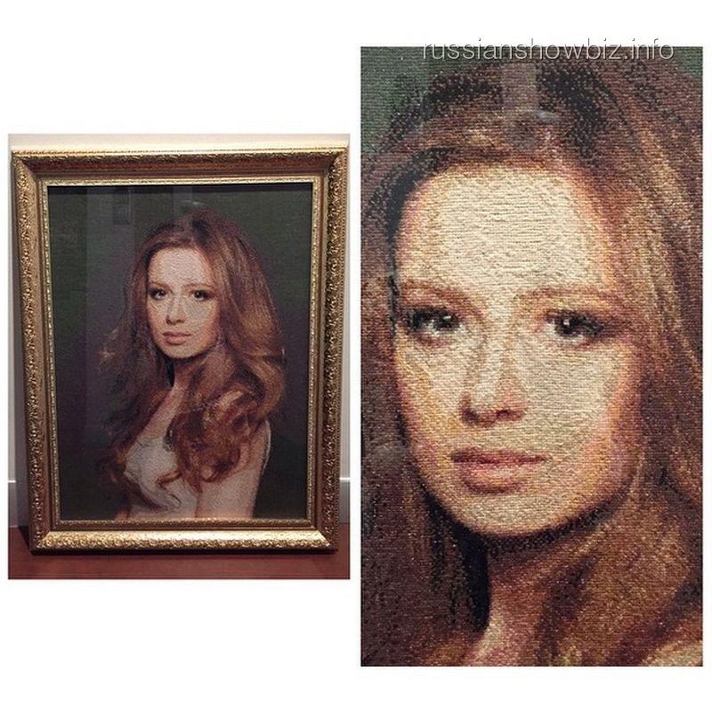 Портрет Юлии Савичевой