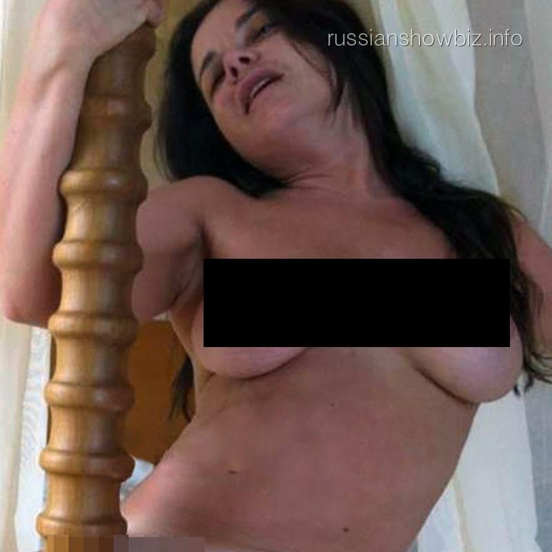 Наташа мастурбирует онлайн