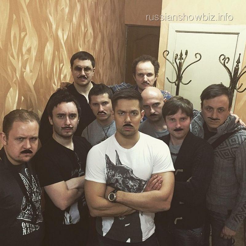 Стас Пьеха с музыкантами
