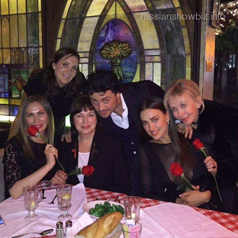 Витторио Григоло в окружении русских друзей