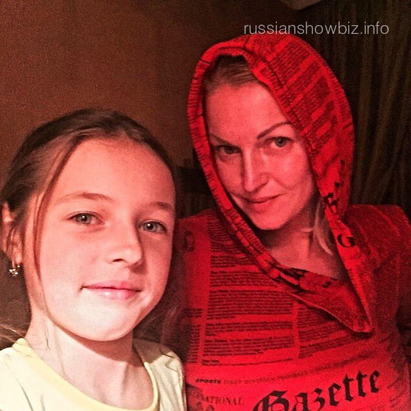 Анастасия Волочкова с дочкой