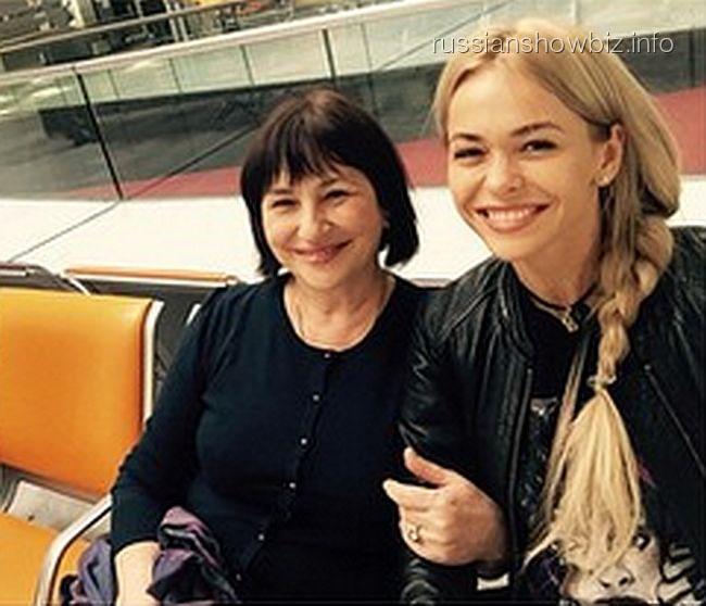 Анна Хилькевич с мамой