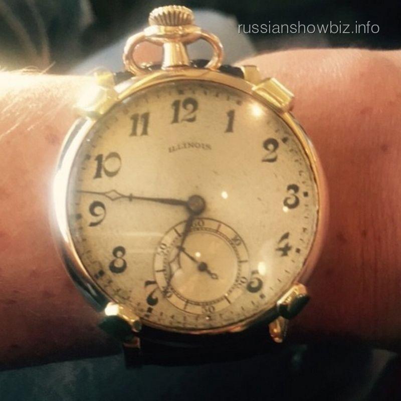 Часы Юлии Началовой