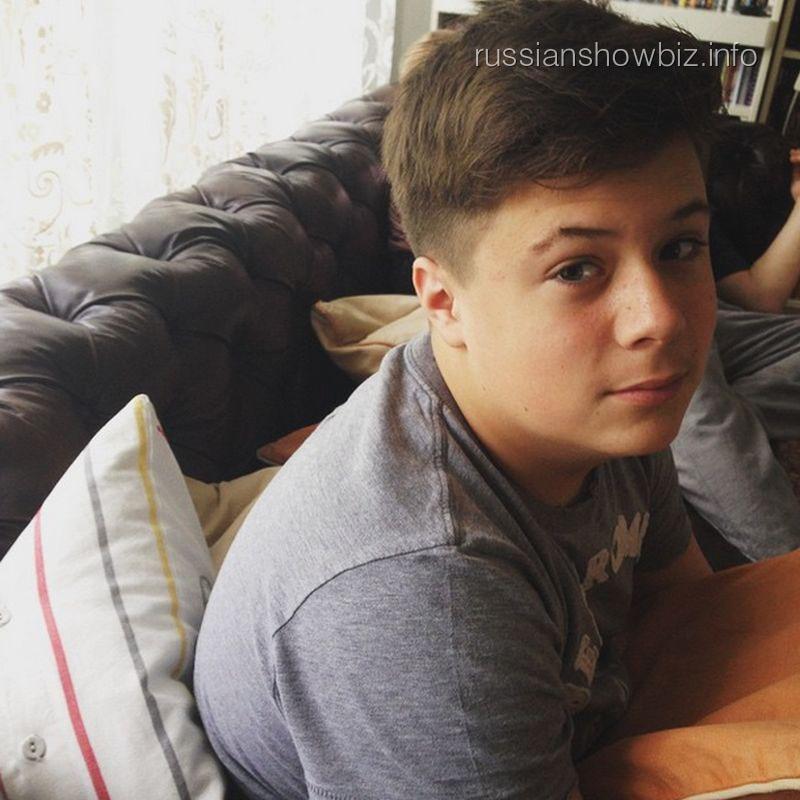 Сын Анны Михалковой