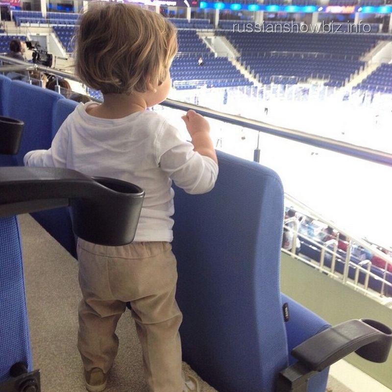 Сын Марии Кожевниковой на хоккее