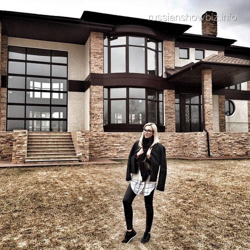 Бузова иТарасов купили роскошный загородный особняк: дизайнера интерьера приглашать небудут