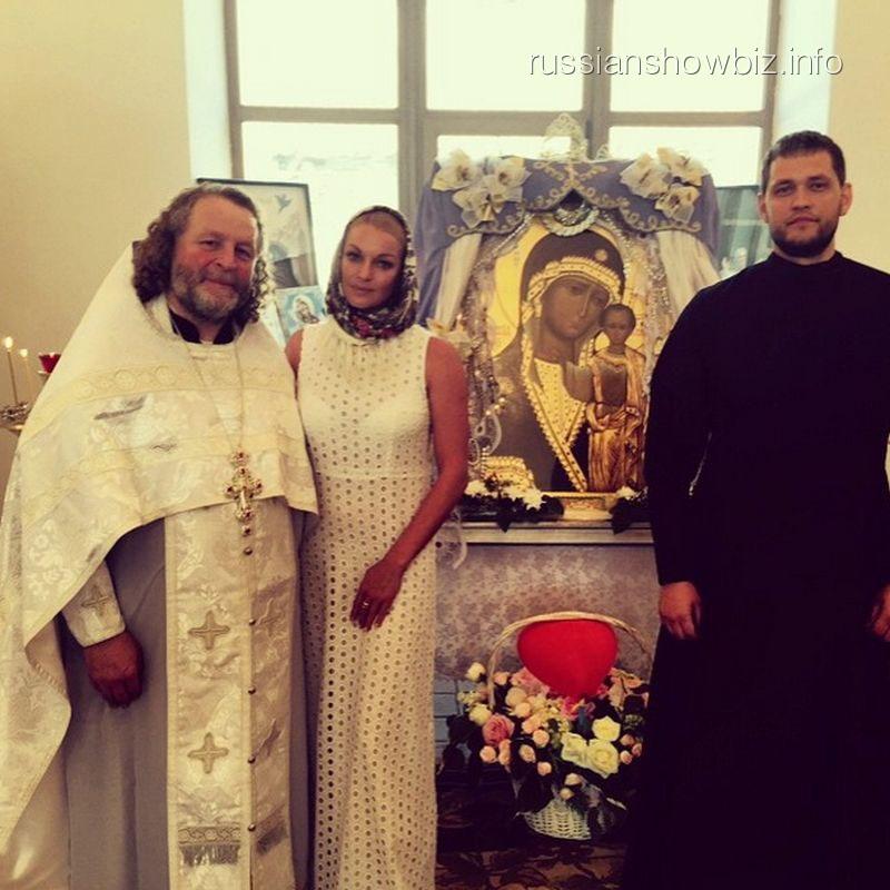 Анастасия Волочкова на крестинах