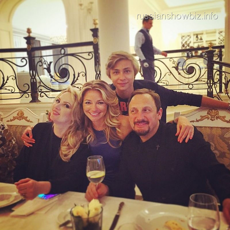 Стас и Инна Михайловы с семьей Дмитрия Маликова