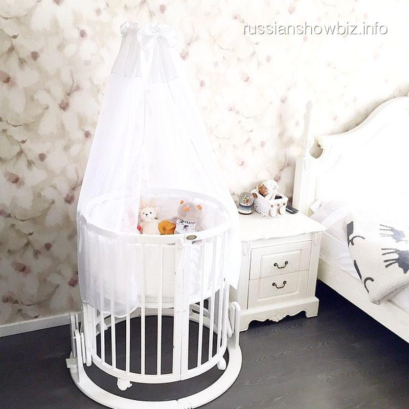 Детская кроватка сына Подольской и Преснякова