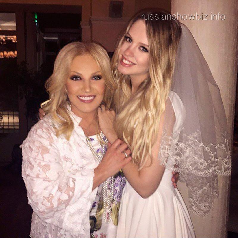 Таисия Повалий с невесткой