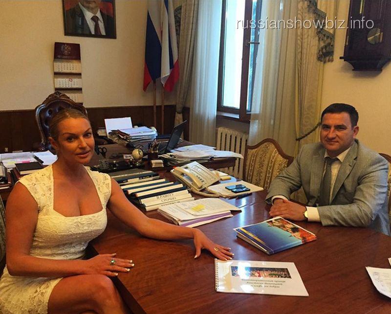 Анастасия Волочкова и мэр Ялты Андрей Ростенко