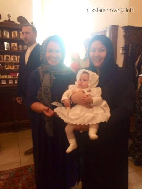 Надежда Бабкина на крестинах внучки