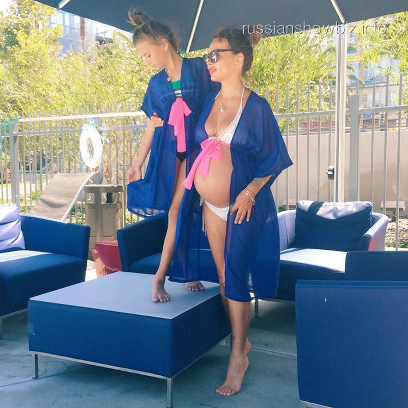 Саша Зверева с дочкой