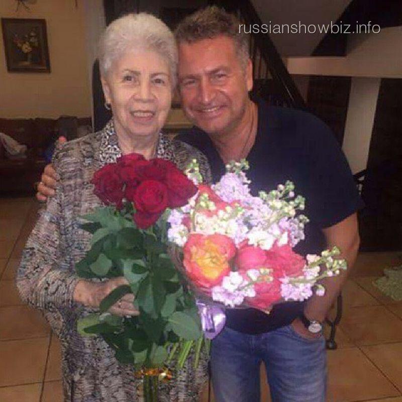 Леонид Агутин с мамой