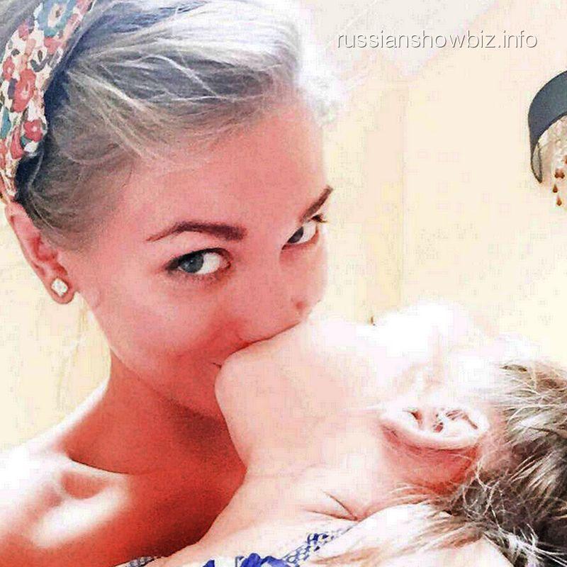 кристина асмус и ее дочь фото дочери выборе