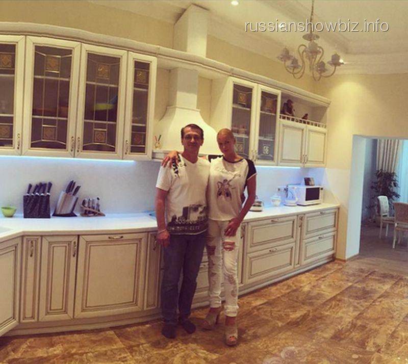 Анастасия Волочкова с создателем кухни