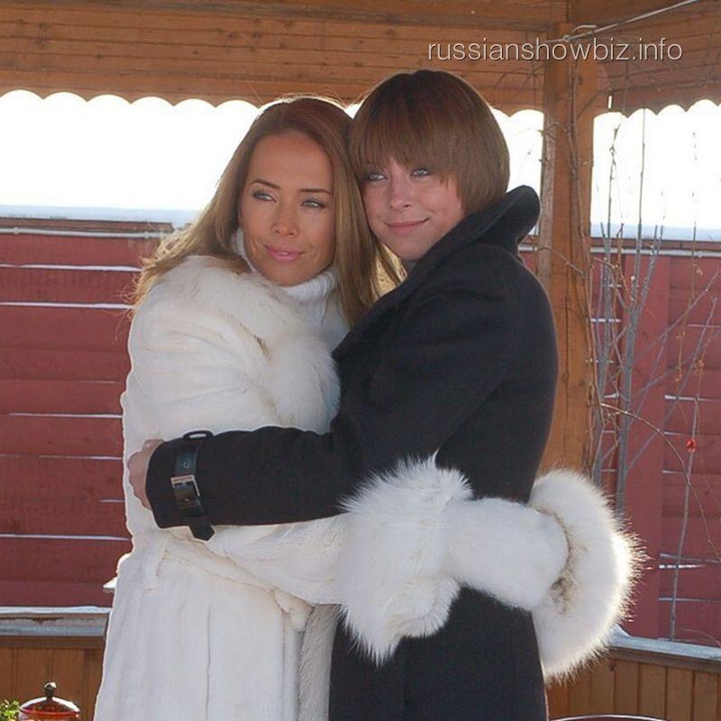 Смотреть сын и сестра 23 фотография