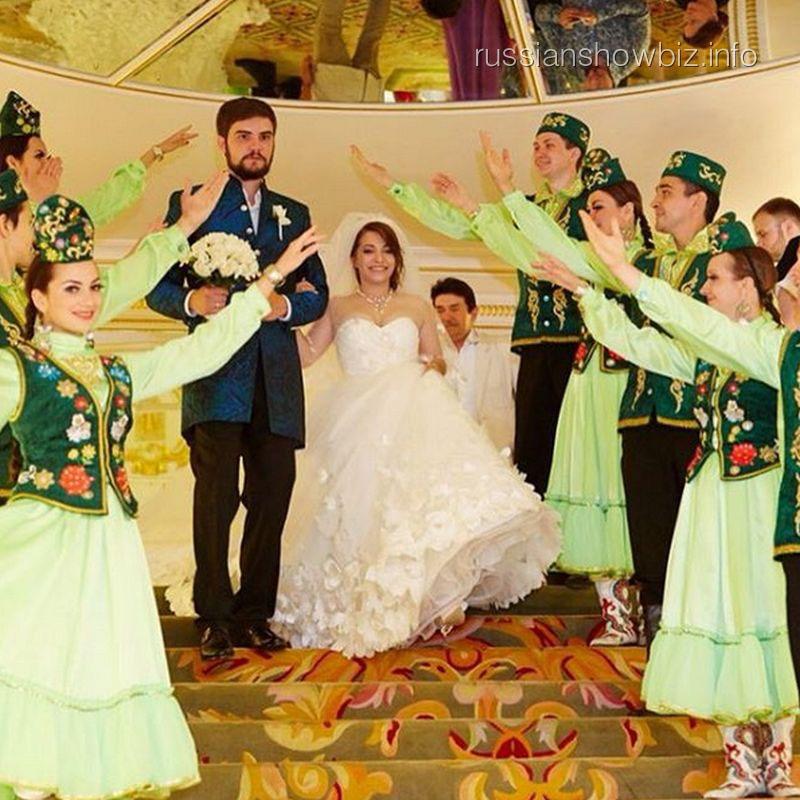 Дочь Розы Сябитовой с мужем