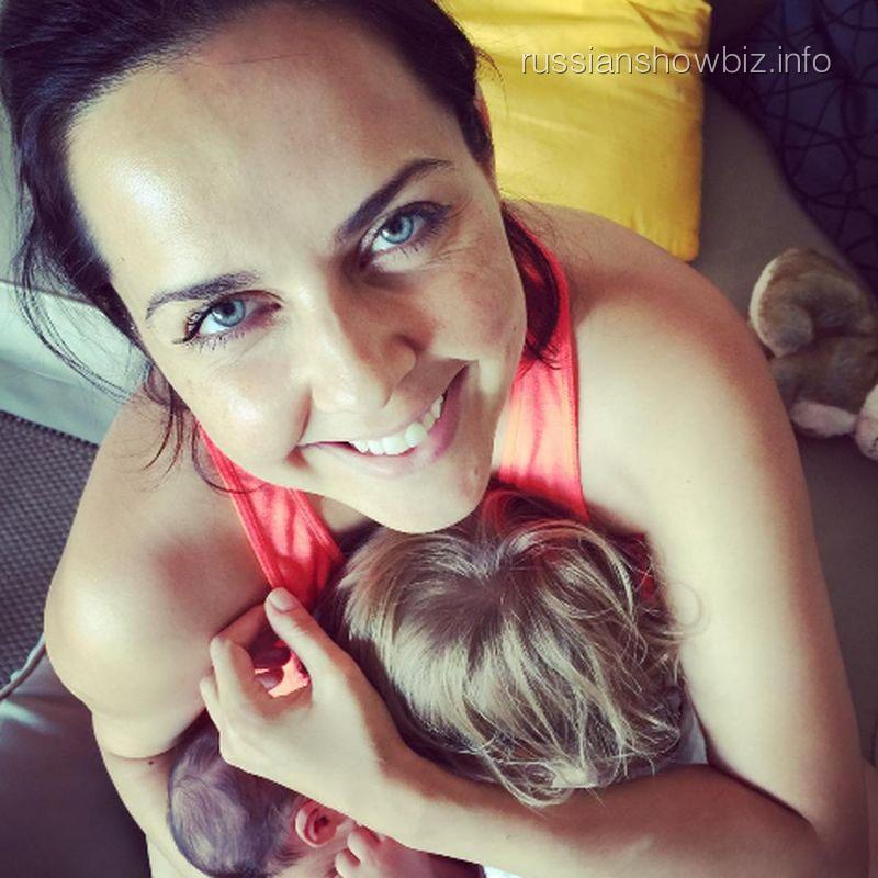 Ольга Шелест с дочками