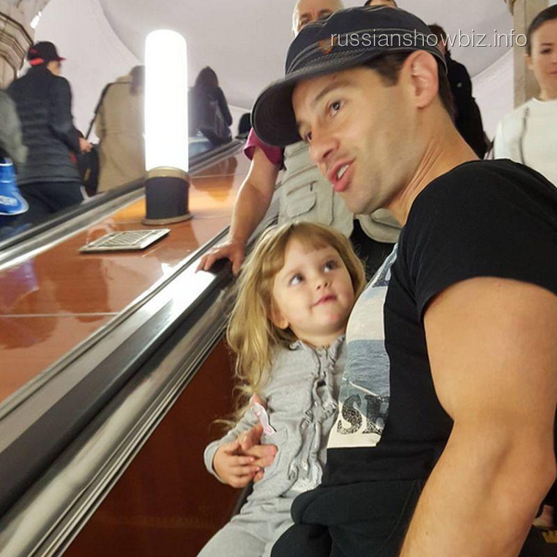 Антон Макарский с дочерью