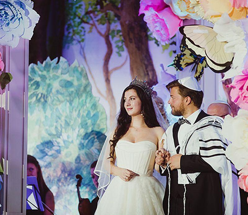 Сын Леонида Парфенова с женой