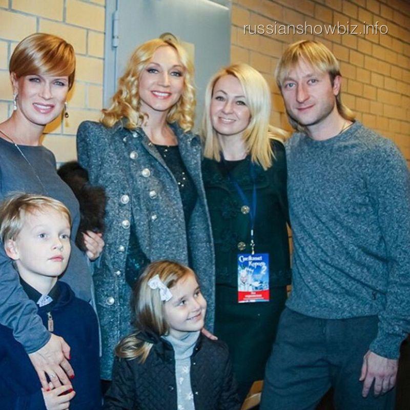 Кристина Орбакайте с дочерью на шоу Плющенко