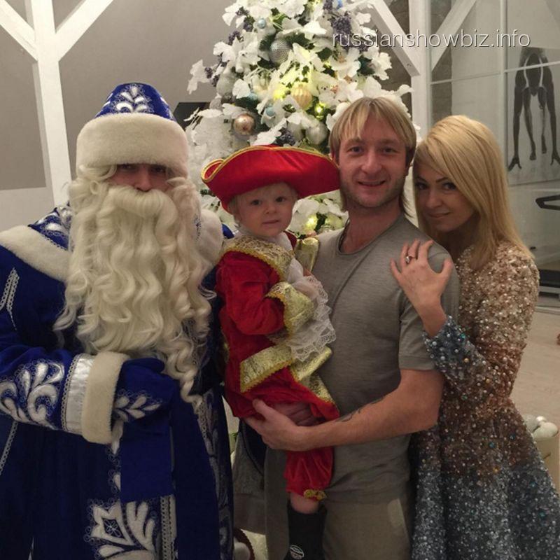Евгений Плющенко с семьей