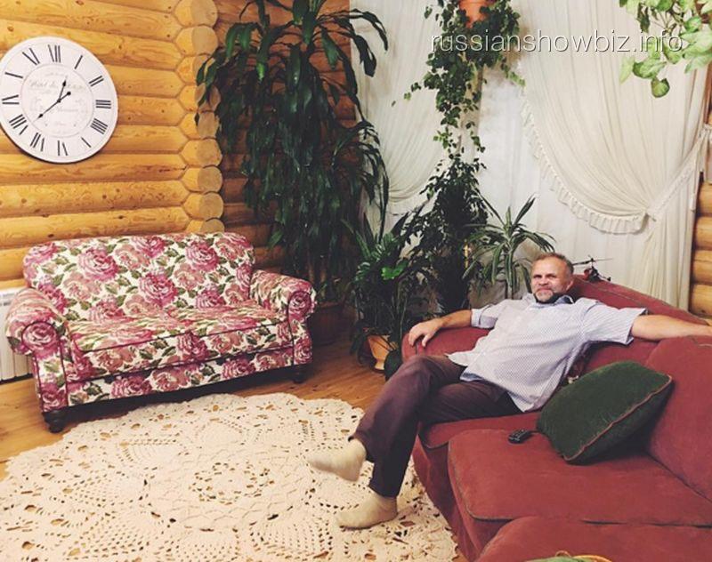 Отец Алены Водонаевой