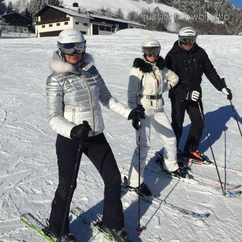 Оксана Федорова с друзьями