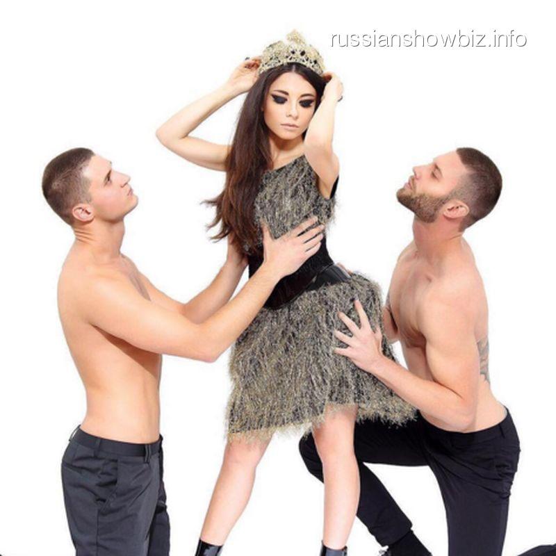 Анна Плетнева в эротической фотосессии