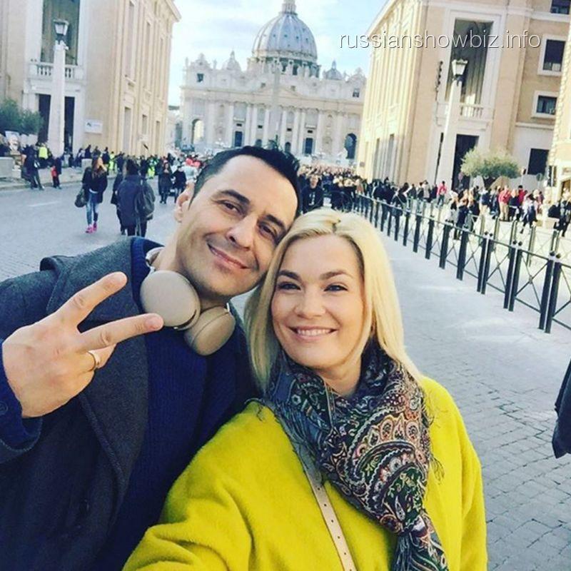 Стас Костюшкин с женой