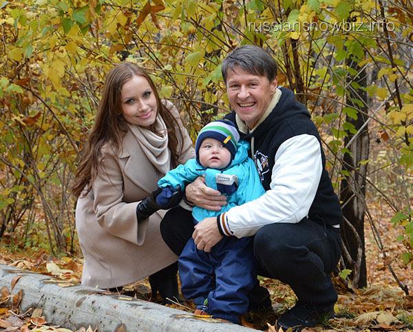 Сергей Исаев с семьей