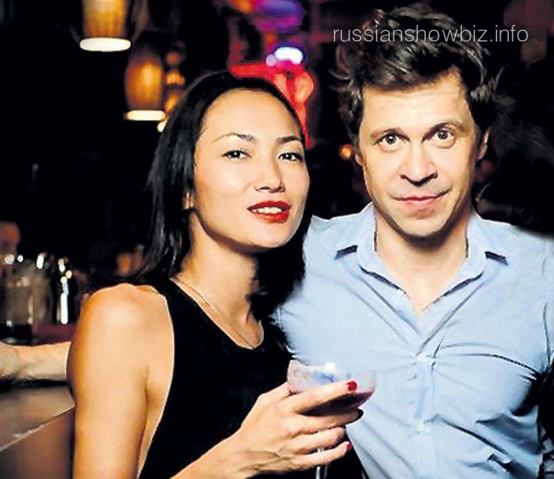 Павел Деревянко с новой возлюбленной