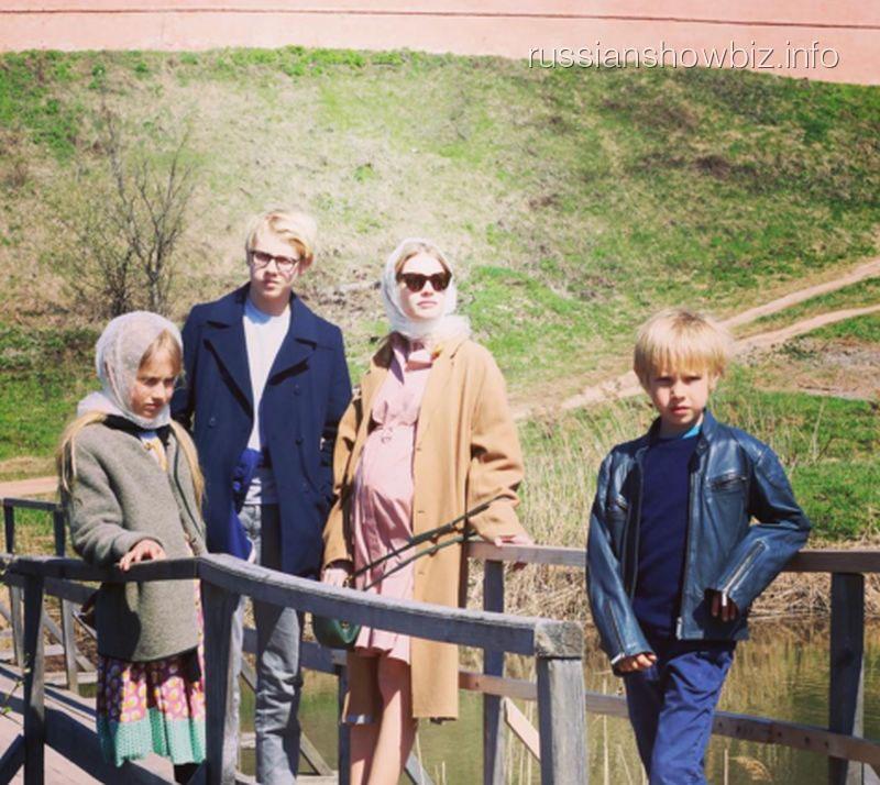 Наталья Водянова привезла сыновей в Россию