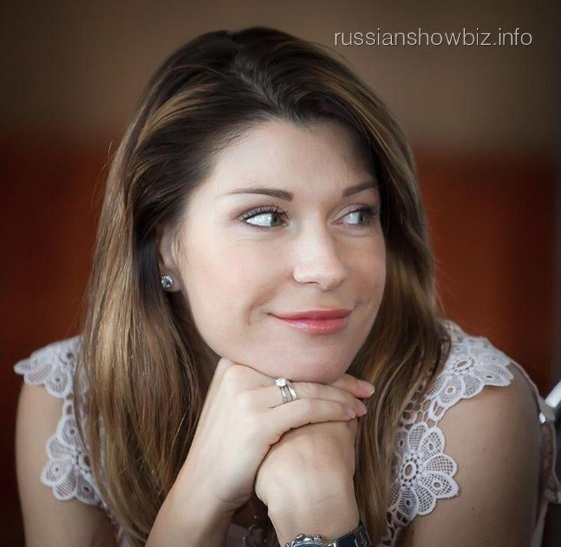 Артистка Екатерина Волкова после операции будет ходить накостылях