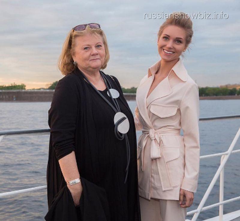 Ирина Муравьева и Кристина Асмус