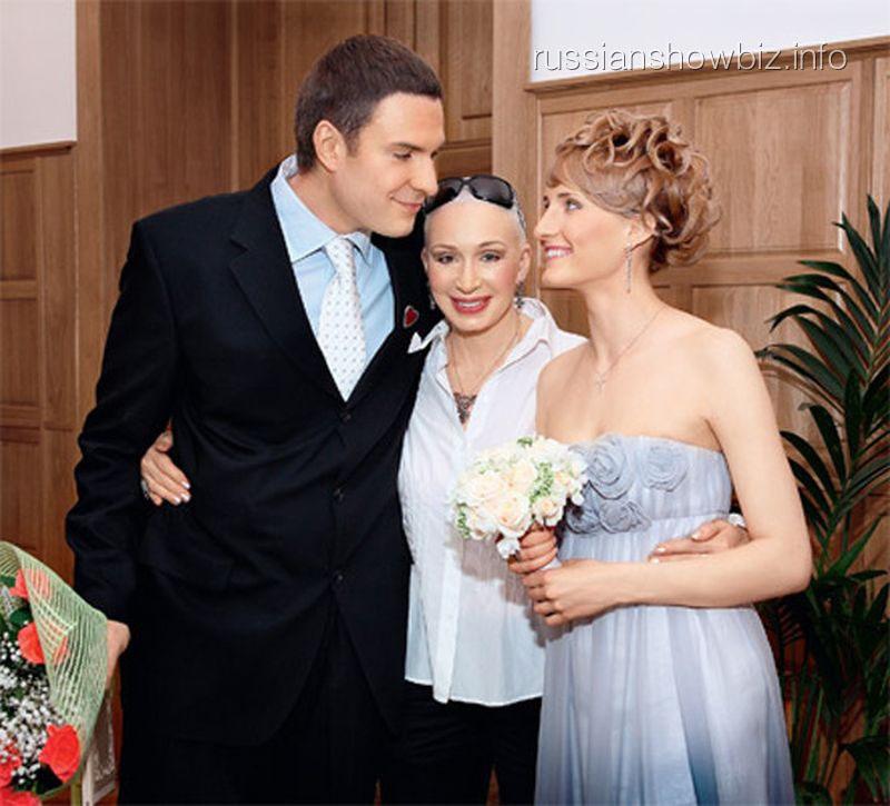 Татьяна Васильева с сыном и невесткой
