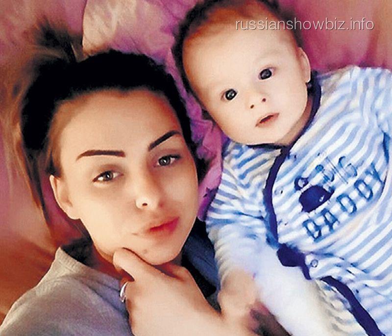 Евгения Ноур с ребенком