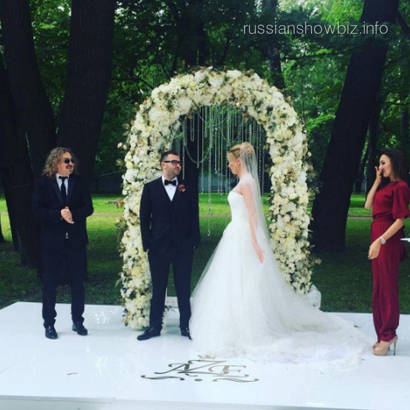 Игорь Николаев на свадьбе друзей