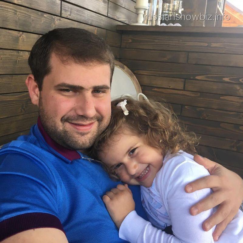 Илан Шор с дочерью