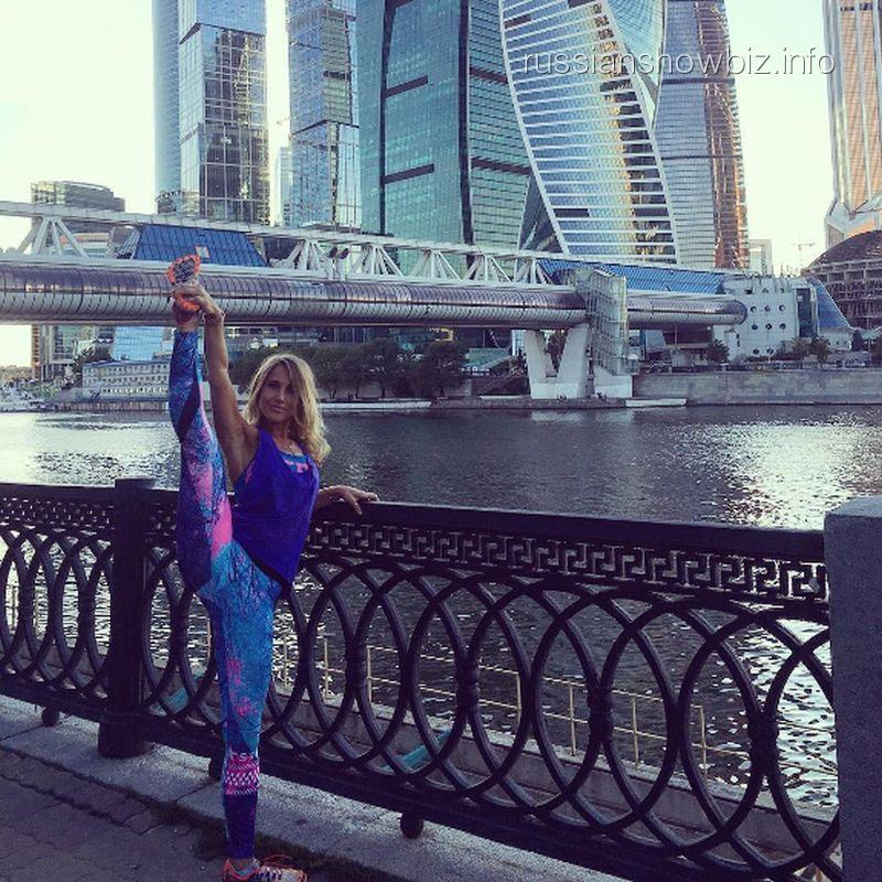 Юлия Ковальчук показала растяжку Волочковой