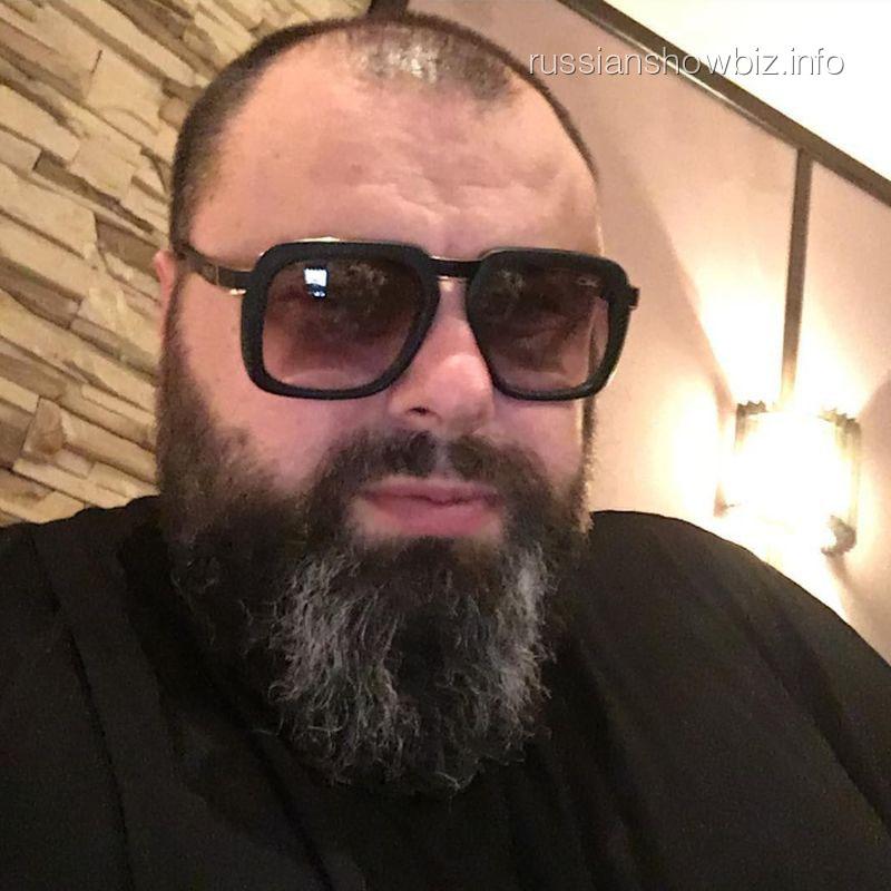 Продюсер Максим Фадеев хочет засудить курский бар