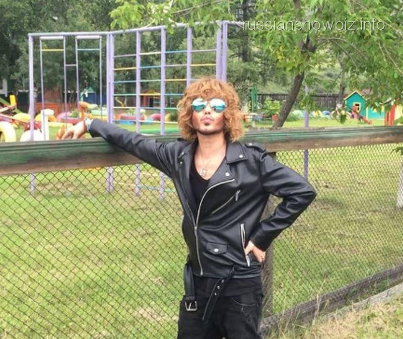 Настилиста Сергея Зверева совершено нападение
