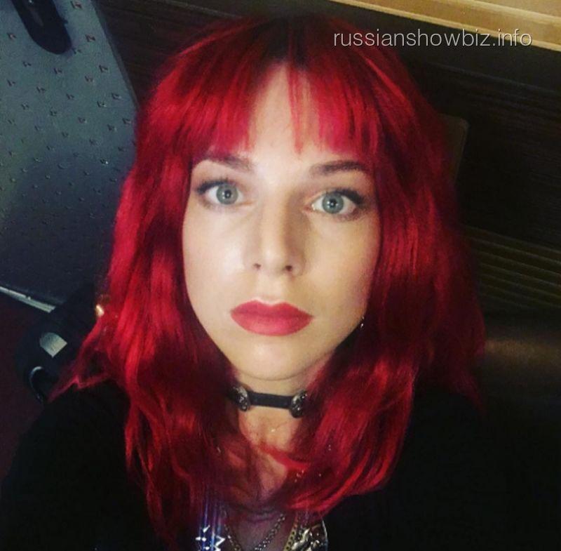 Наталья Подольская примерила смелый образ для нового клипа