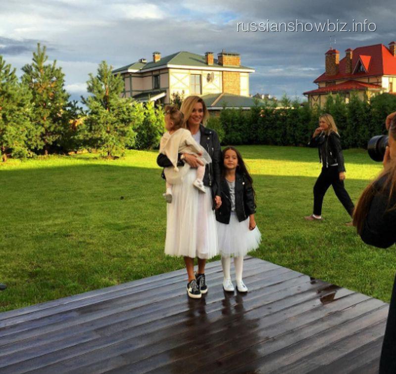 Ксения Бородина с дочерями