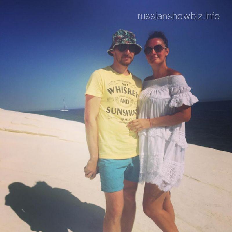 Елена Ваенга с мужем