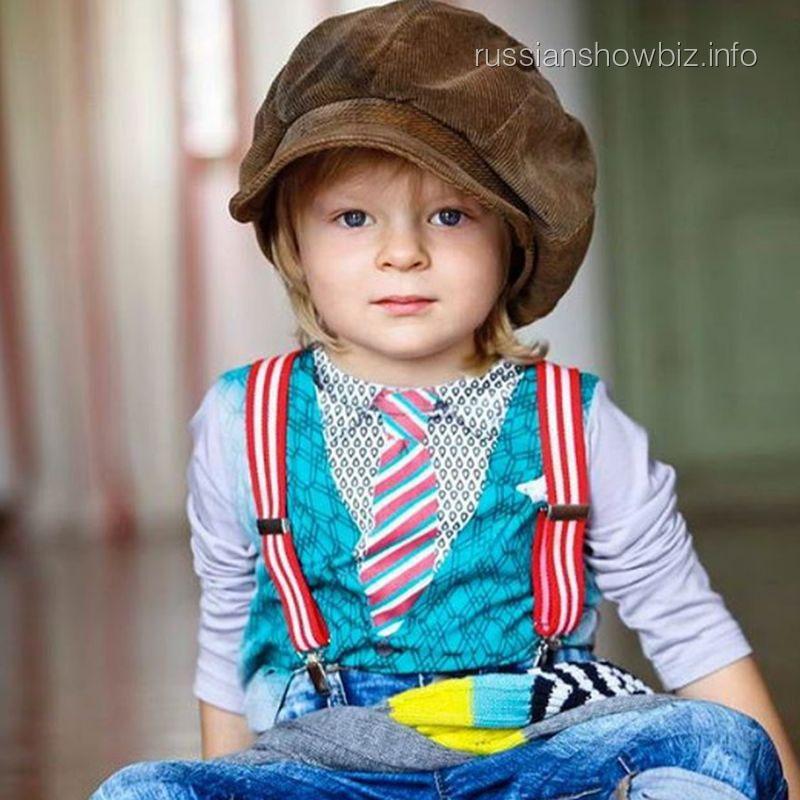 Сын Яны Рудковской